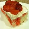 Cómo hacer un pastel de fresa de Poke-
