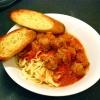 Cómo hacer albóndigas italianas auténticas y Salsa de Pasta