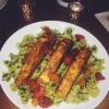 Cómo hacer salmón y tomates Blackened Con Pesto Pasta