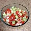 Cómo hacer pepino, tomate y ensalada de cebolla.