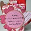 Cómo hacer lindas Trata de San Valentín para los maestros.
