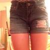 Cómo hacer apenada Shorts Fuera de Jeans
