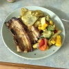 Cómo hacer épica lonja de cerdo y chuletas con verduras en el horno