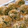 Cómo hacer el día del partido Espinacas y Kale Bolas del queso