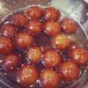 Cómo hacer Gulab Jamuns (indio dulce)