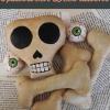 Cómo hacer decoraciones de Halloween | DIY Skull & Bones