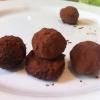 Cómo hacer trufas de chocolate hecho en casa de lujo