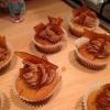 Cómo hacer mantequilla de maní y las magdalenas del chocolate