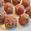 Cómo hacer albóndigas de cerdo con verduras y salsa de tomate