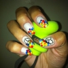 Cómo hacer Rainbow Peace and Love Nails