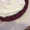 Cómo hacer de terciopelo rojo pastel con queso crema Frosting