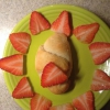 Cómo hacer S'mores Media Luna Rolls y fresas