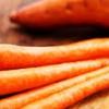 Cómo hacer dulce estupendo sano de patata y jugo de zanahoria