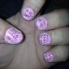 Cómo pintar las uñas de Periódicos