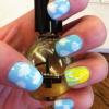 Cómo pintar las uñas día soleado