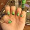 Cómo pintar las uñas con Aliens verde de Toy Story
