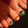 Cómo pintar uñas de los pies en el Espíritu de Halloween de