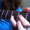 """Cómo jugar en el texto de la """"D"""" en la guitarra"""