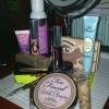 Cómo poner en una cara llena de maquillaje