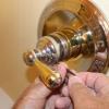 Cómo regular la temperatura de la válvula solo grifo de la ducha
