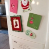 Cómo Reutilización Tarjetas de Navidad favorita como Imanes