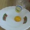 Cómo separar la yema de huevo del huevo blanco con una botella