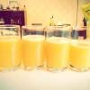 Cómo simple, jugo delicioso hecho en casa de Orange