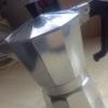 Cómo usar y limpiar una estufa italiana Cafetera