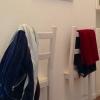 Cómo utilizar La mitad de una Cátedra para colgar la ropa en el Evening
