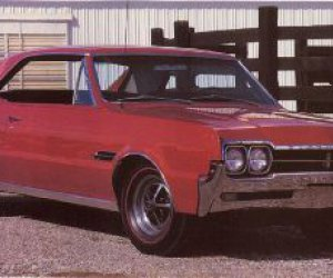 1966 Oldsmobile Cutlass 4-4-2
